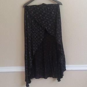 Billabong skirt short front long flowy back B104